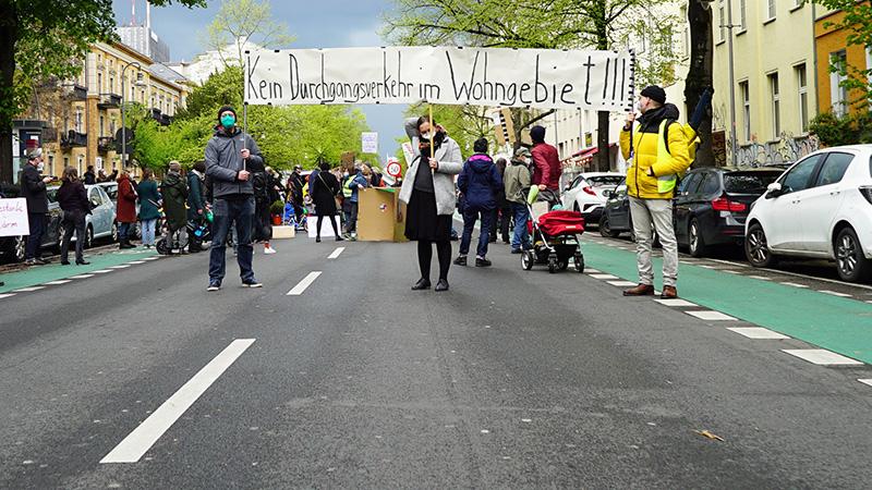 Start der Unterschriftensammlung auf der Großbeerenstraße